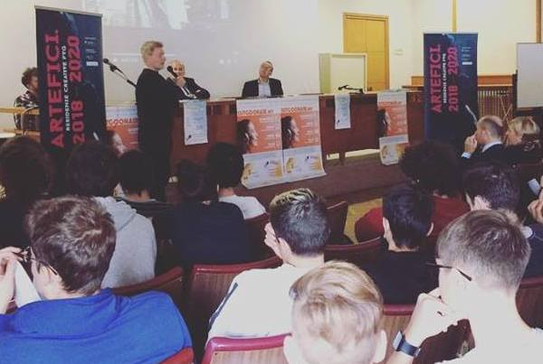 Conferenza stampa Aula Magna ISIS Galilei